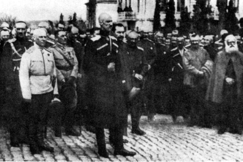 Молебен по случаю вступления генерала Врангеля в командование Русской армией. 25 марта 1920 г. Севастополь