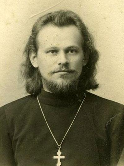 Священник Александр Секундов
