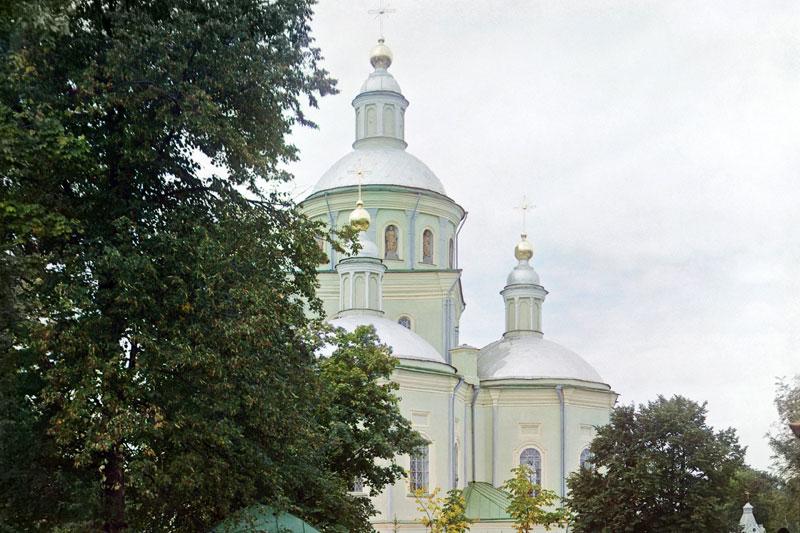 Свято-Троицкий мужской монастырь. Фото С.М. Прокудина-Горского, 1911 год.