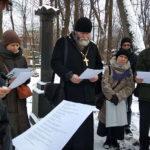 Молитва на могиле основателя первого петербургского братства священника Александра Гумилевского с чтением имён братчиков, живших в разные годы в разных городах России и зарубежья