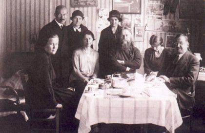 В столовой о. Сергия Булгакова