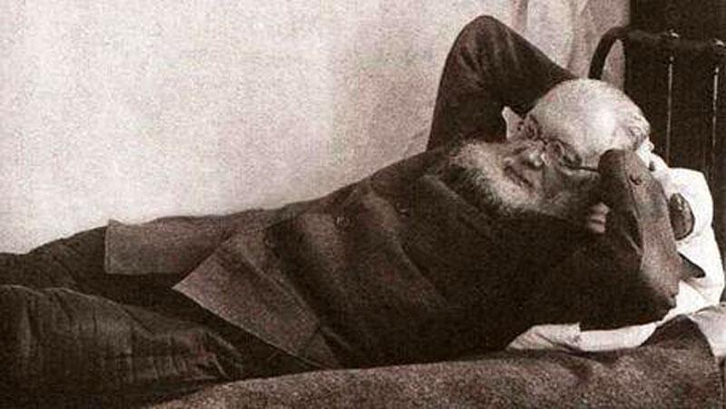 Архиепископ Лука (Войно-Ясенецкий) в ссылке в селе Большая Мурта. 1941 г.
