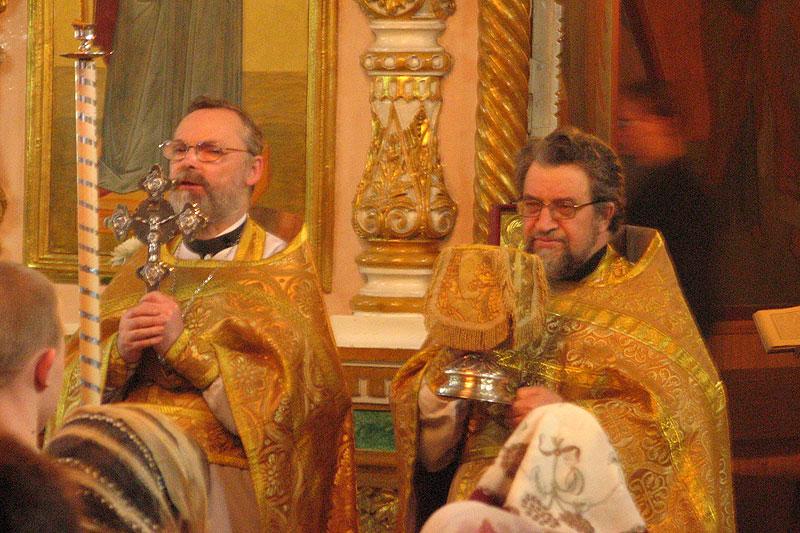 На богослужении в Никольском храме Воронежа